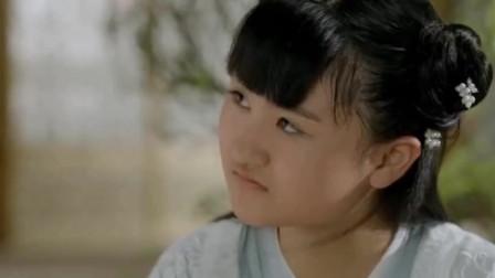 她4岁出道6岁和成龙上春晚 被花千骨害惨 今女大18变成美女