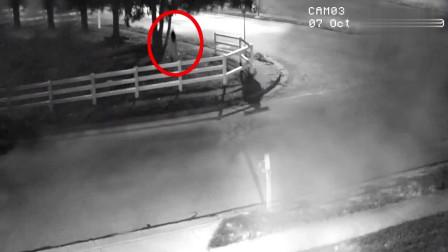 灵异?夜晚无人的十字路口,监控拍下诡异的画面,太可怕了