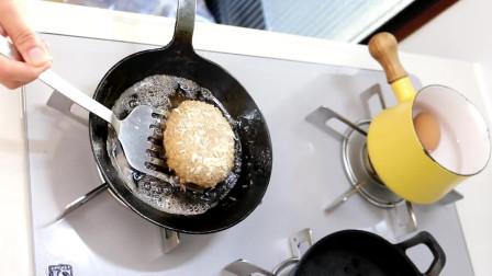 今日便当,肉排与鸡蛋土豆沙拉三明治便当!