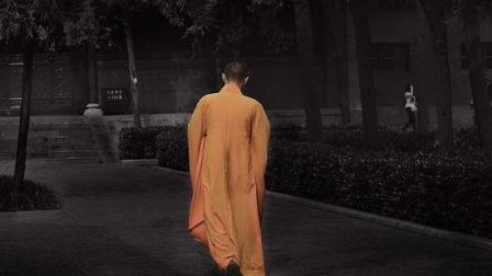 """印度最执着的僧者,举手50年不放下,民众封他为""""神""""!"""