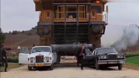 成龙为了拍好这部戏,据说亏损了几千万,豪车当玩具来玩