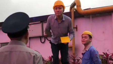 """广西老表搞笑视频:老表和湿水炮这一幕,真是太逗了!""""人才""""啊"""