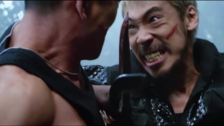 不愧是跟李连杰对打的男人!邹兆龙挑衅敌人,这小表情太嚣张了!