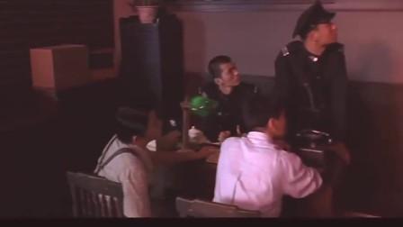 冯小刚也演过动作电影 看过的人还真是不多 不要错过了。