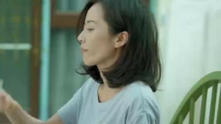 电视剧《小丈夫》:姚澜喝醉了,第二天醒来面对老妈的问题不知道如何回答