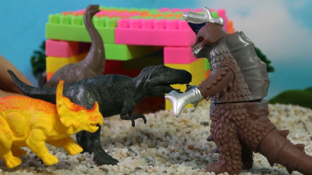 探险家遇到了大怪兽!恐龙帮助探险家和怪兽进行对峙!