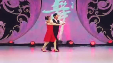 蒙古族二人同台斗舞,精彩!李德戈景太帅了!