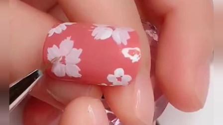 美甲达人:美甲技法,画几朵小花,玩转指尖的小清新