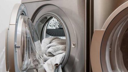 洗衣服不用洗衣粉,只要一杯水就能洗干净,这洗衣机够省钱!