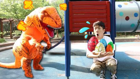 坤坤偷走了恐龙蛋,被可怕的恐龙发现了?!