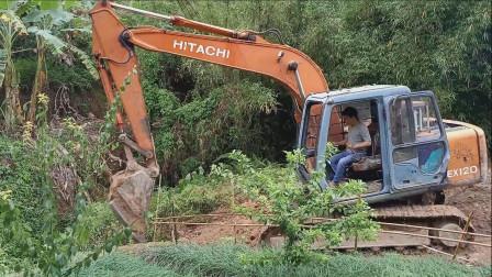 挖掘机开路视频 挖掘机表演视频