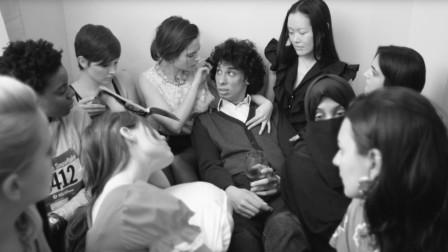 男子意外获得一盒飞镖,扎谁都会爱上他,身边很快聚满一堆女孩