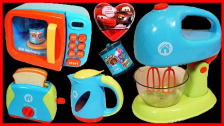小猪佩奇下午茶玩具,还有芭比公主和购物精灵惊喜玩具