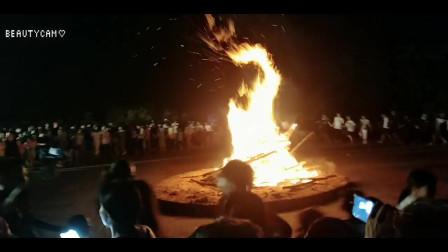 6月7日上林三里镇渡河公节日篝火晚会