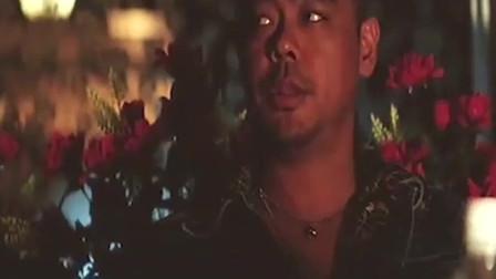香港黑帮电影 光头佬竟敢在旁人的面前编排大哥的不是 看大哥怎么教训他