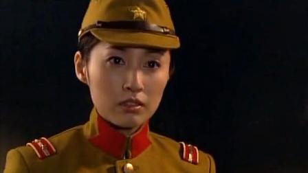 日本高级女军官也是无耻,竟假扮学生和军统之人相恋