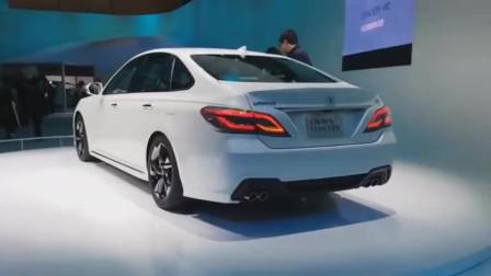 丰田推出新款汽车,15代皇冠,2.0T涡轮增压发动机
