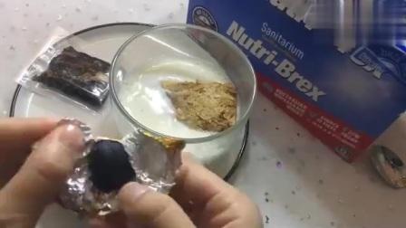 低脂餐:燕麦饼干泡牛奶,营养糕,干净又卫生,非常适合学生党!