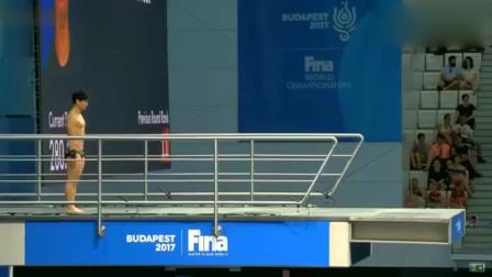 回顾:韩国选手跳水失误,水花溅起一米多高,教练都不忍直视了
