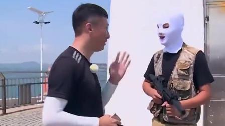 孙红雷变身唐三藏,直接对着绑匪小哥开始了语言攻击