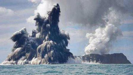 1天566次地震!日本的海底火山喷发,喷出高达10米的水柱
