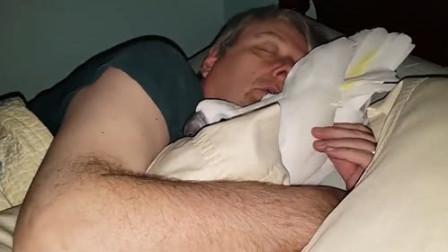 为什么有人晚上睡觉会梦见去世的亲人,有什么预兆!