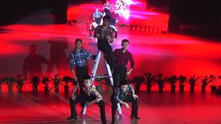 专业表演《别碰我的人》歌曲好听,舞蹈动作好酷!