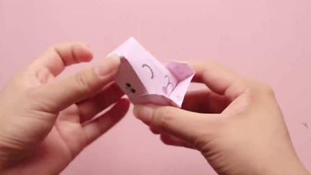 芭比娃娃的迷你小床,几张纸就能折一个,步骤超简单!