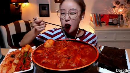 韩国宽粉小姐姐,吃麻辣汤面,大口大口吃的太过瘾了