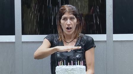 电梯突然漏雨?还把蛋糕蜡烛浇灭了?老外恶搞,寿星:来砸场的?