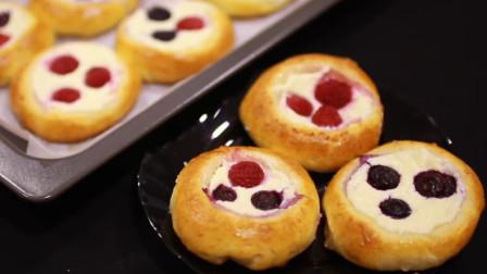 教你在家就能做松软可口的蓝莓蛋挞,就算手被二哈啃过也能学会哦