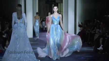 欧美高级时装秀,连衣裙性感妩媚,美女穿上再合适不过了!