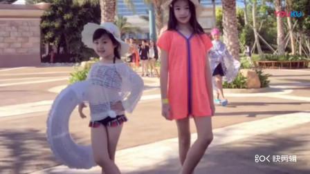吴尊女儿和小泡芙久违同框,小姐妹都长大了,同款小长腿抢镜_标清