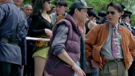 大探长每次出场,身边都换不同的美女,去案发现场都带着!
