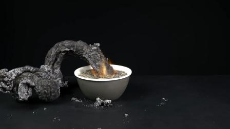 小伙将白砂糖点燃,意外召唤法老之蛇,究竟是什么原理?