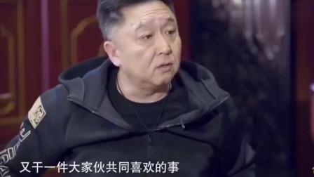 记者:郭德纲总是拿您父亲当包袱,您介意吗? 于谦大度回答笑称我们这行人心里都有条线
