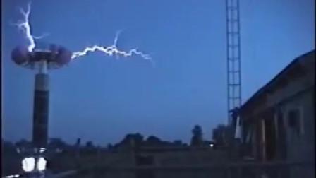 看看国外号称雷神之锤的实验器材,启动那一刻简直就是引雷器
