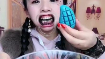 声控吃播:美女用无唇喝芝麻,在吃上一口巧克力芒果,这画面真是没谁了