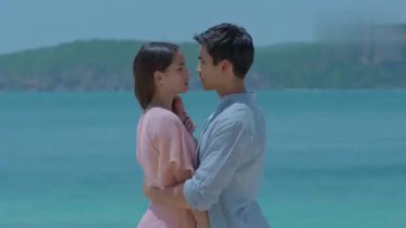 少校和公主终于修成正果,海边浪漫拥吻,太甜了