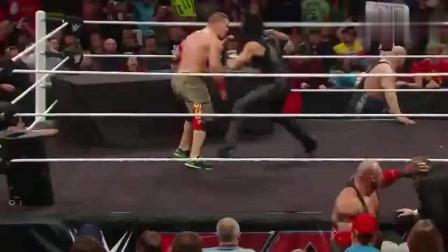 WWE:莱贝克气场强大,美女成了牺牲品!