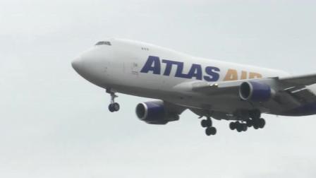 能见度很差,波音747大型货机降落成田国际机场