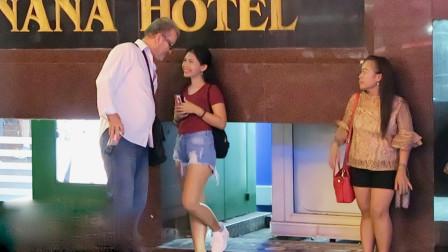 中国游客越南旅游,大街上美女问你要不要生菜,是什么意思呢?