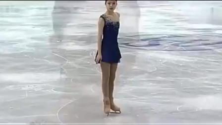 中国花样滑冰美女李子君,赛场上美丽动感瞬间,太美了