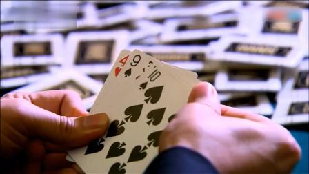 赌魔连赢几把心态飘了,赌神一甩手就变牌,瞬间反赢