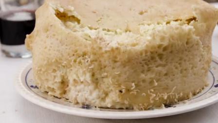 撒丁岛奇葩美食,腐烂的奶酪,很好奇他们是怎么吃下去的
