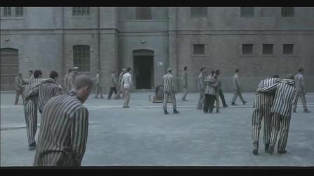 美丽人生:集中营的犹太人获救了,躲在柜子里的小男孩活下来了!