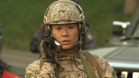 女特种兵执行任务私藏手机,没想到帮了大忙,连上级都表扬了