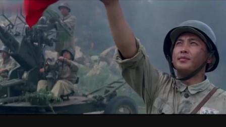 神龙车队遭遇敌特空袭,16岁的顺子狂奔在火线,护士长舍命相救