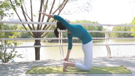 迪丽热巴在节目中经常练习的瑜伽体式!改善圆肩驼背,提升气质