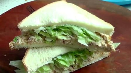 金枪鱼三明治的制作过程,步骤十分简单,早餐的最佳选择